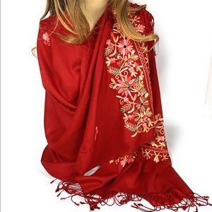 Pashmina with thread embroidery
